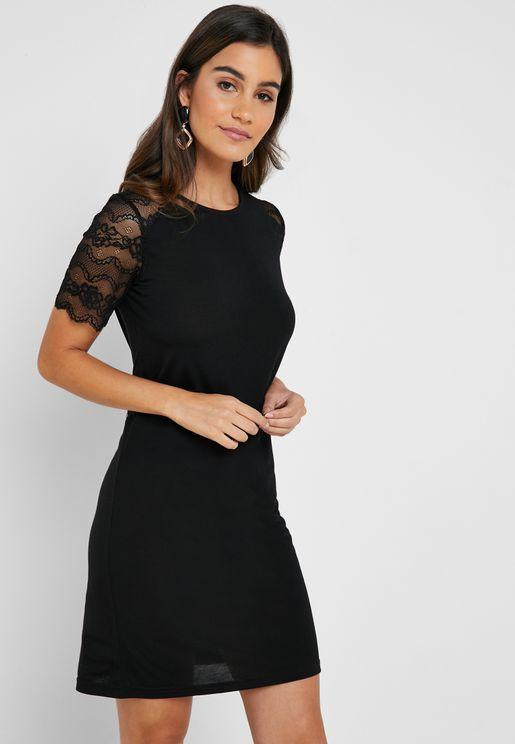 فستان باكمام دانتيل