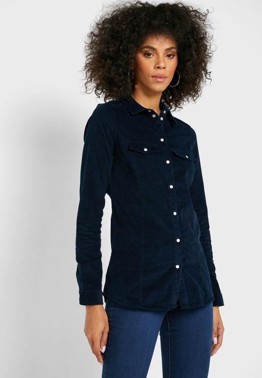 قميص بأزرار كبس
