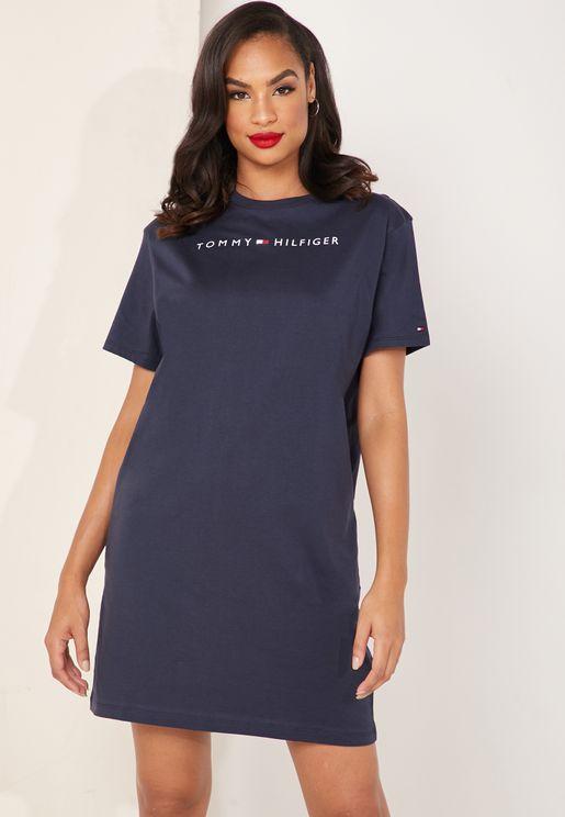 6f7915a45 فستان مزين بشعار الماركة. بريميوم. تومي هيلفيغر