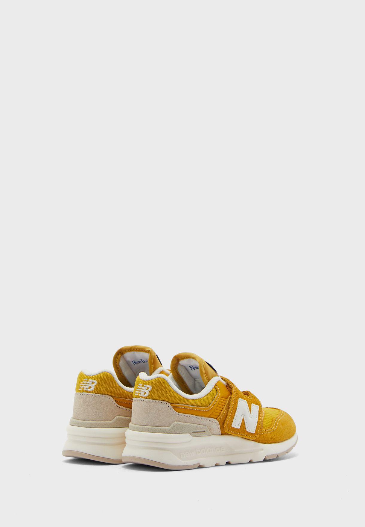 حذاء 997 اتش
