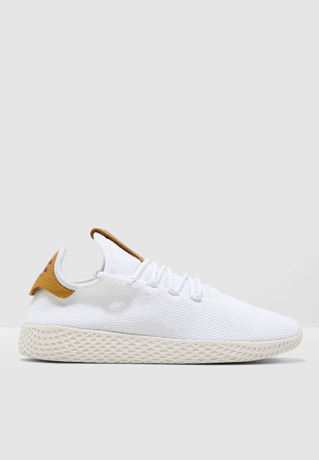حذاء فاريل ويليامز هو للتنس