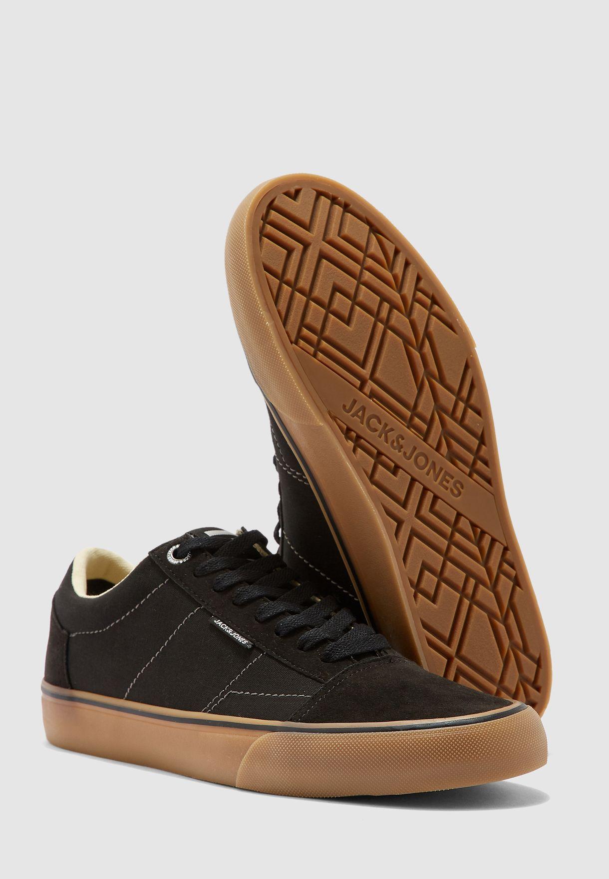 Dax Low Top Sneakers
