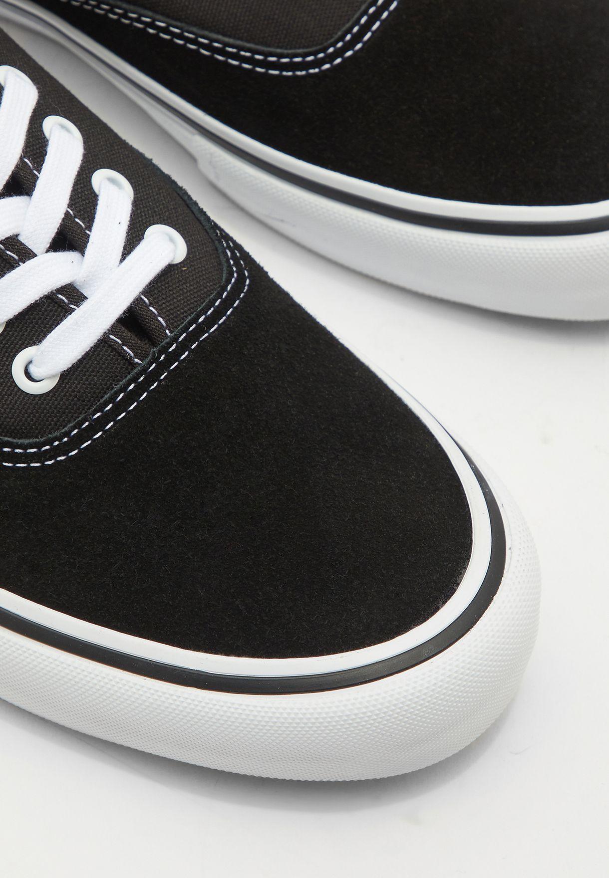 حذاء اوثينتك برو