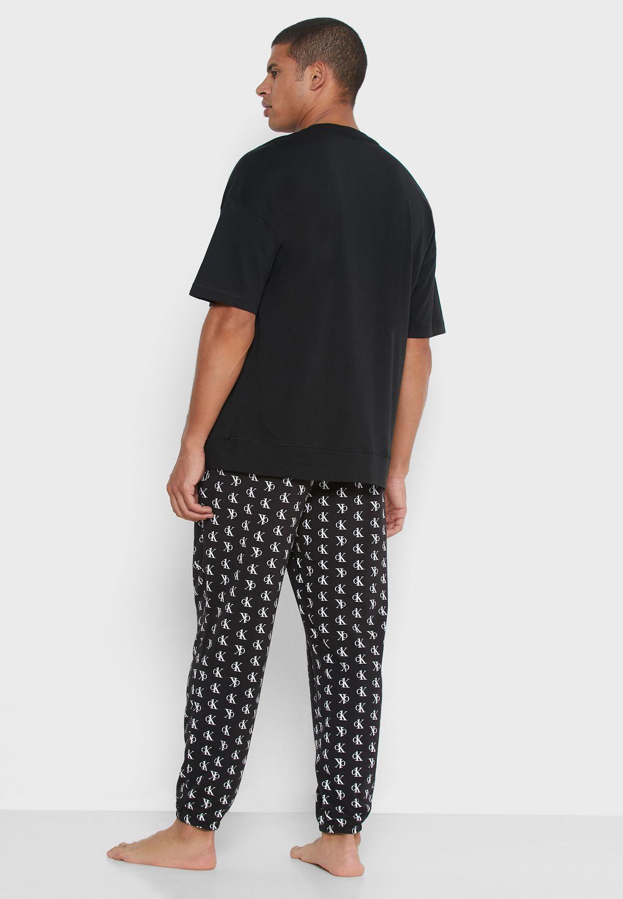 Chest Logo T-Shirt & Printed Pyjama Set