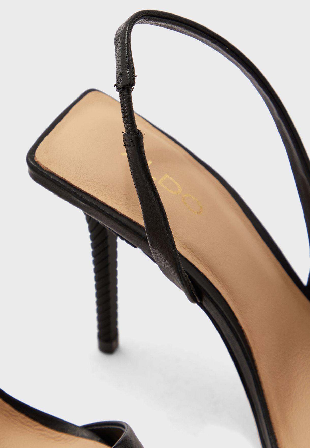 حذاء بسير خلفي وكعب عالي