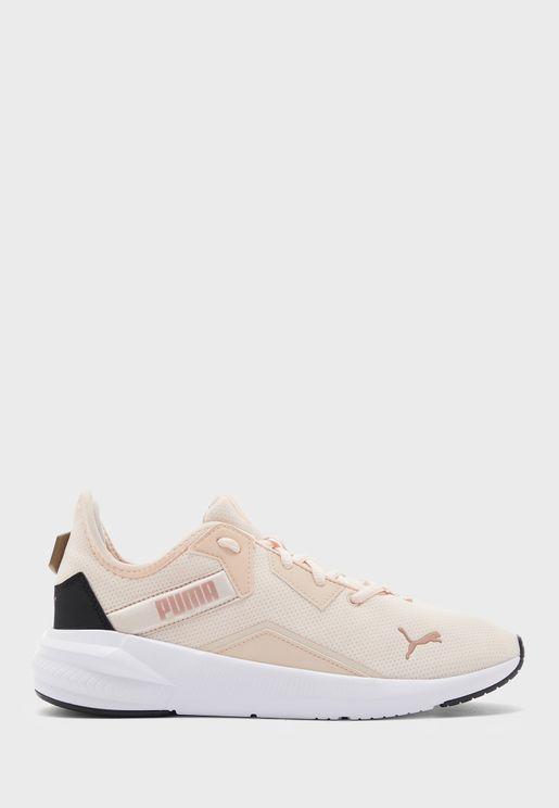 حذاء بلاتينيوم للنساء