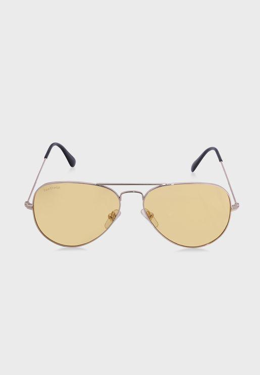 نظارة شمسية بعدسات ملونة