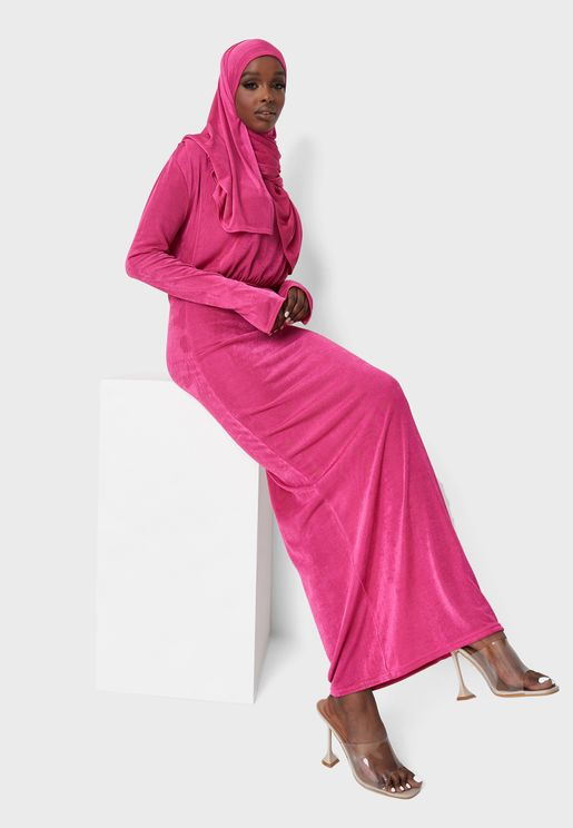 فستان مزموم على الخصر