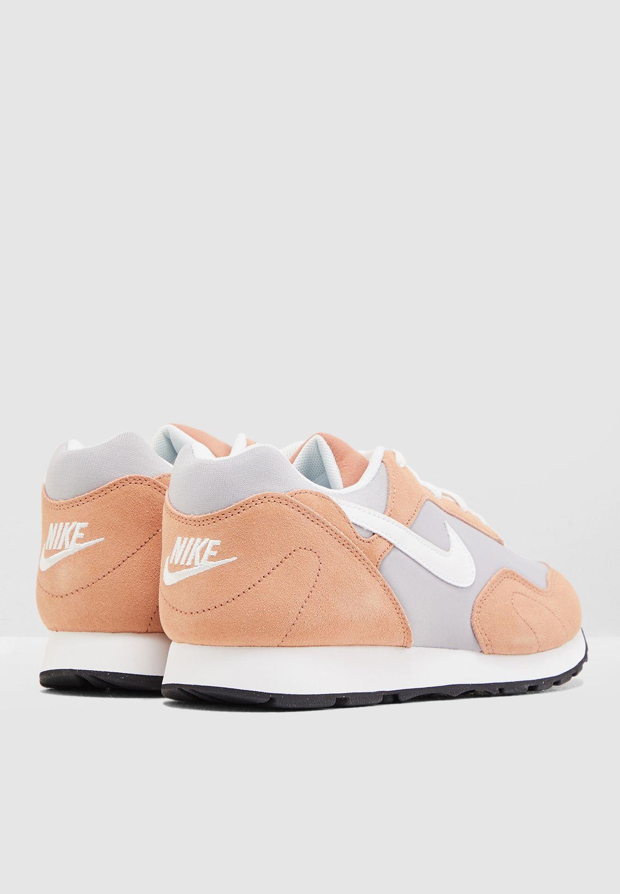 حذاء اوت بيرست