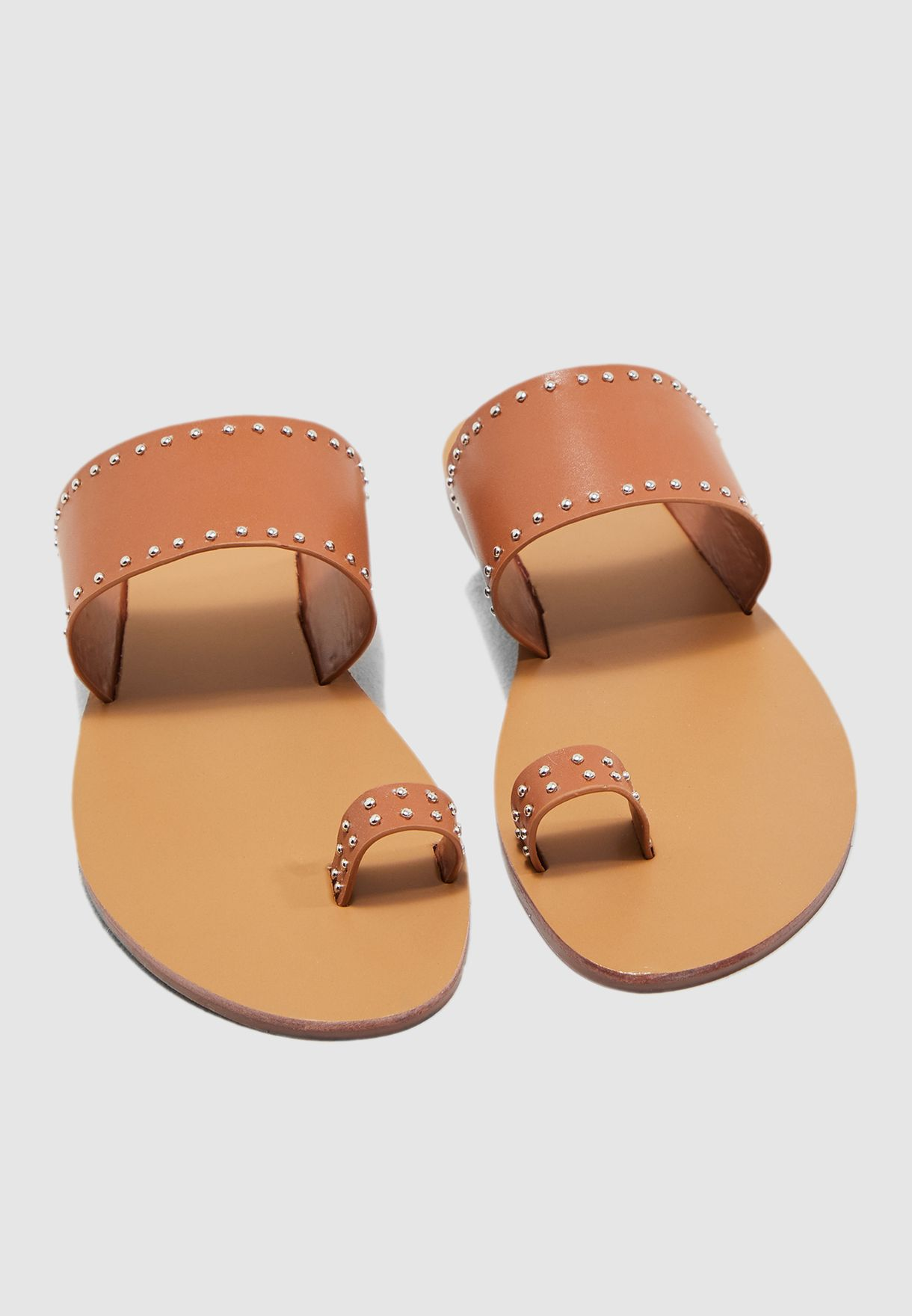 Flat Sandal With Toe Detail