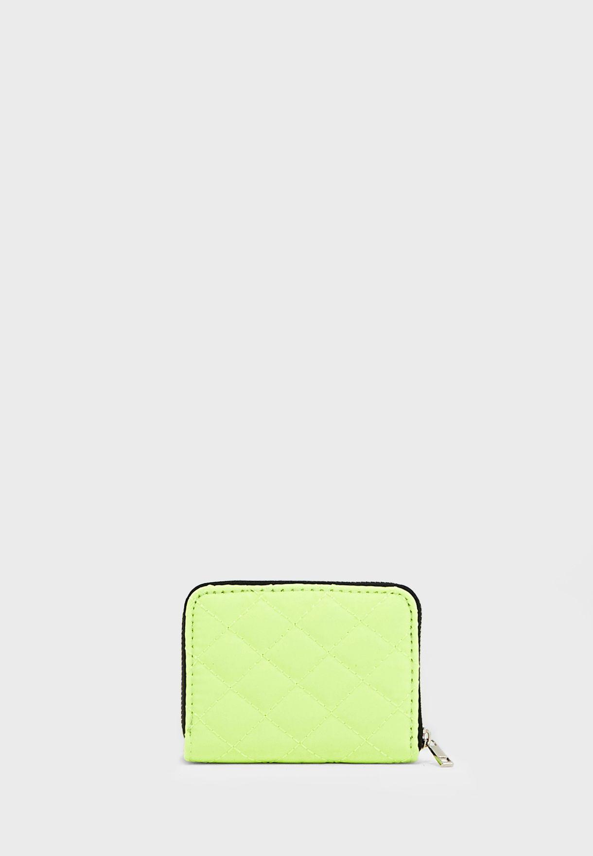 محفظة بطاقات مزينة بالدرزات