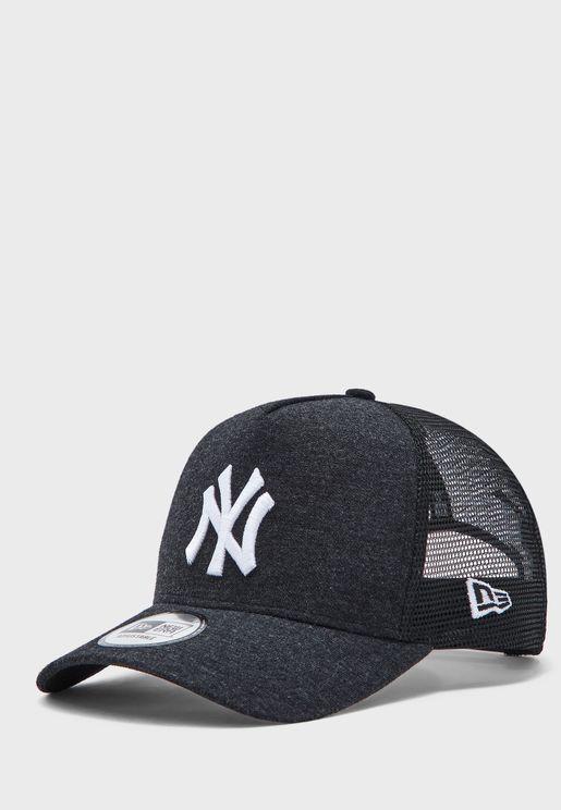كاب مزين بشعار نيويورك يانكيز