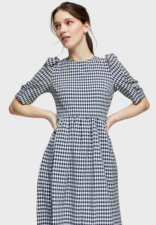 فستان بطبعات غنغهام