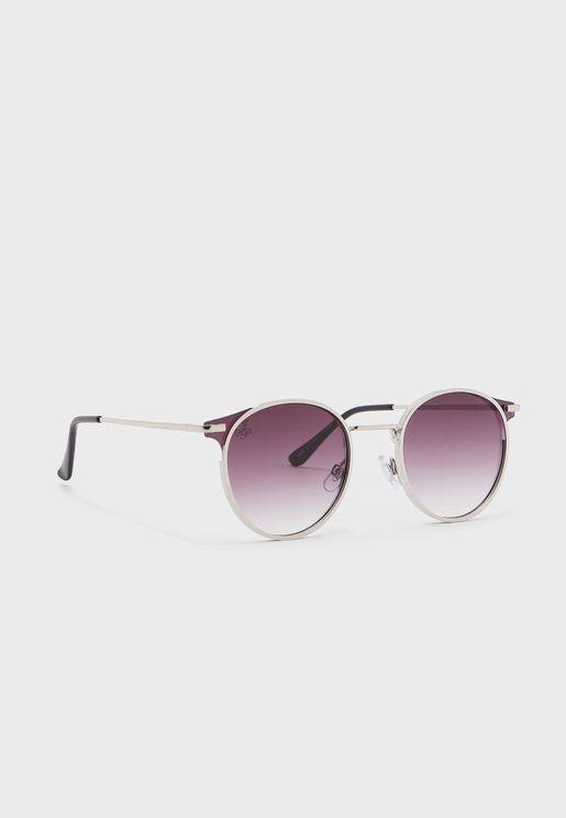 نظارات شمسية بنمط عين القطة