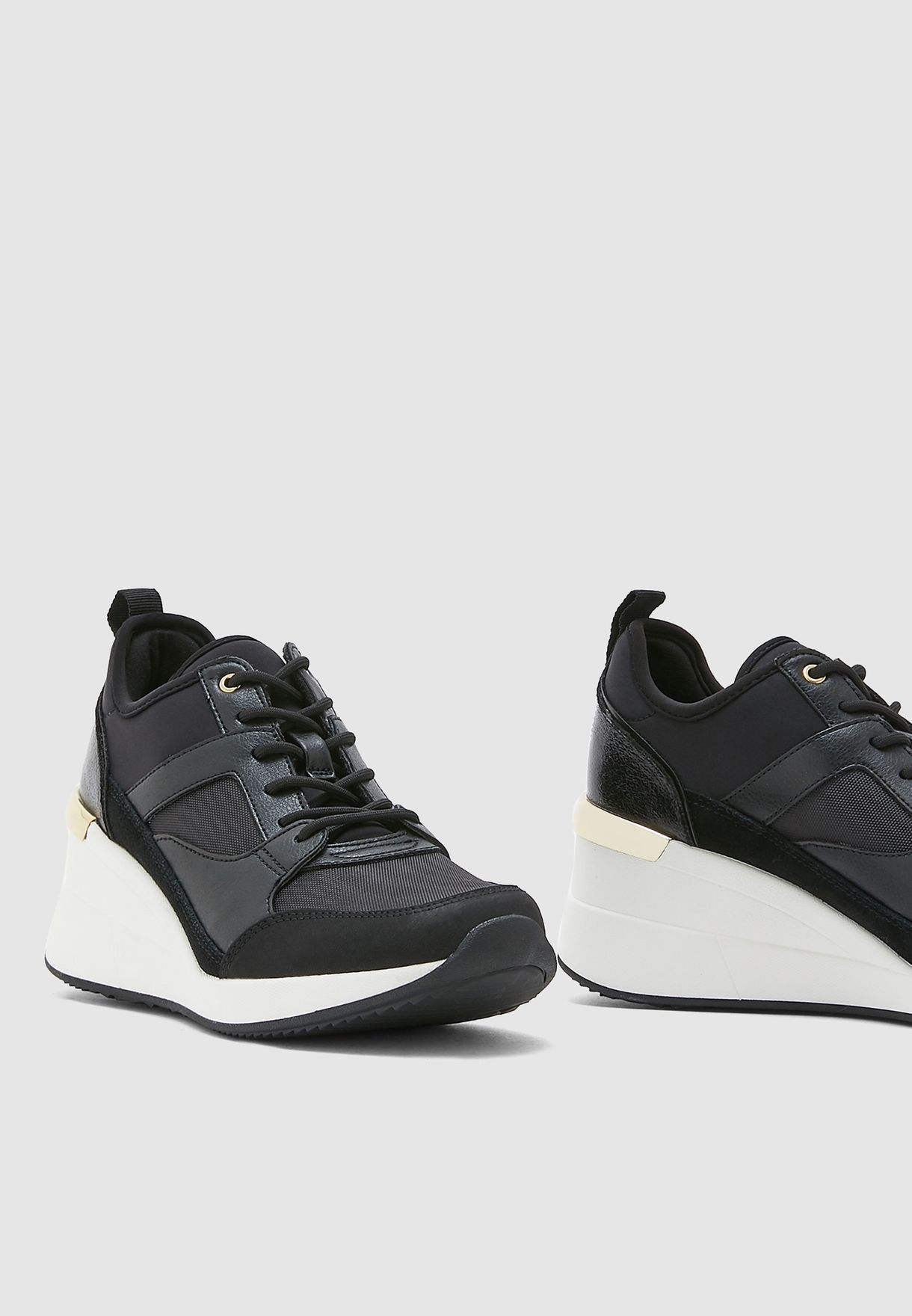 Thrundra Wedge Sneaker