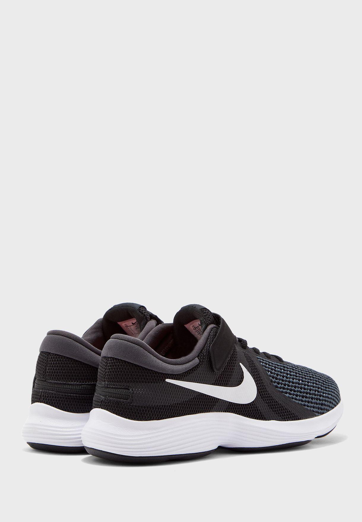 حذاء ريفولوشن 4 فلاي ايز