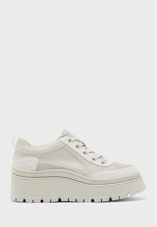 Kiana Low Top Sneaker