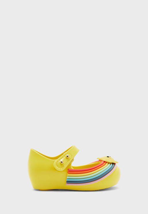 حذاء مزين بشكل شمس