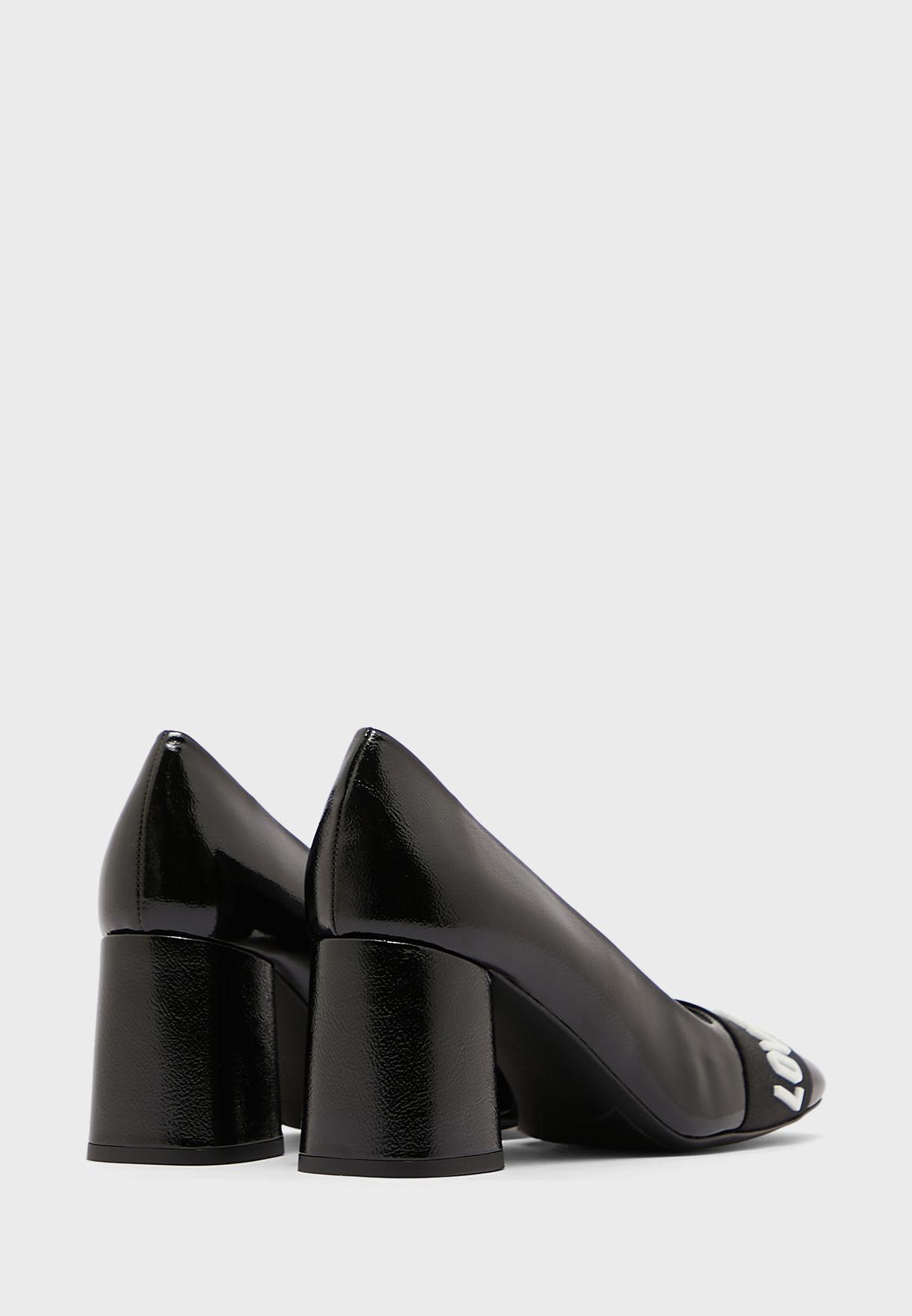 حذاء كعب سميك