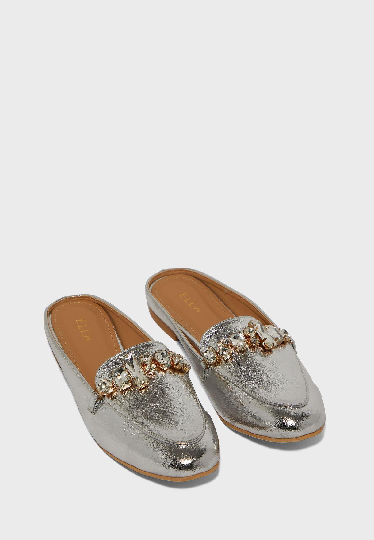 حذاء ميتاليك سهل الارتداء