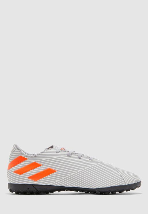 حذاء نيميزيز 19.4 تي اف