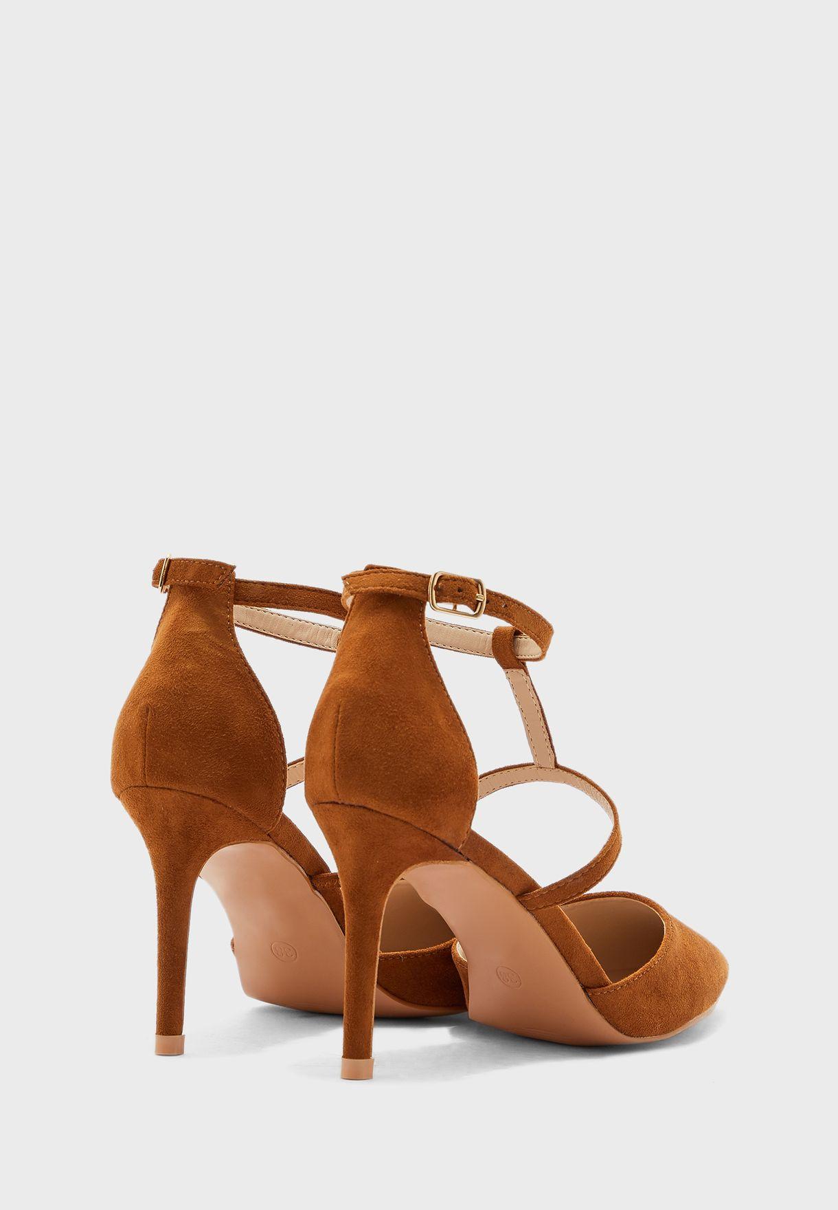 حذاء بنمط سيور ذو كعب عالي