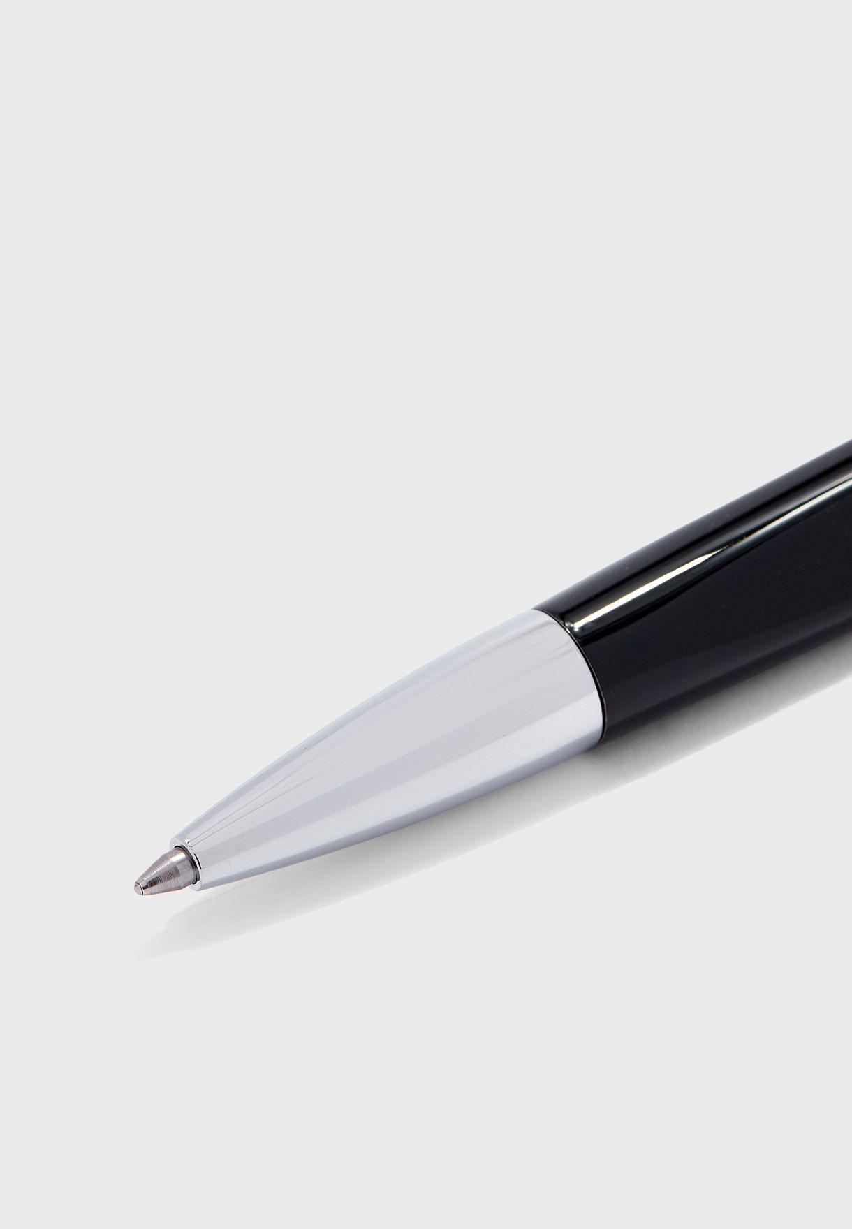 مجموعة من قلم وازرار قميص