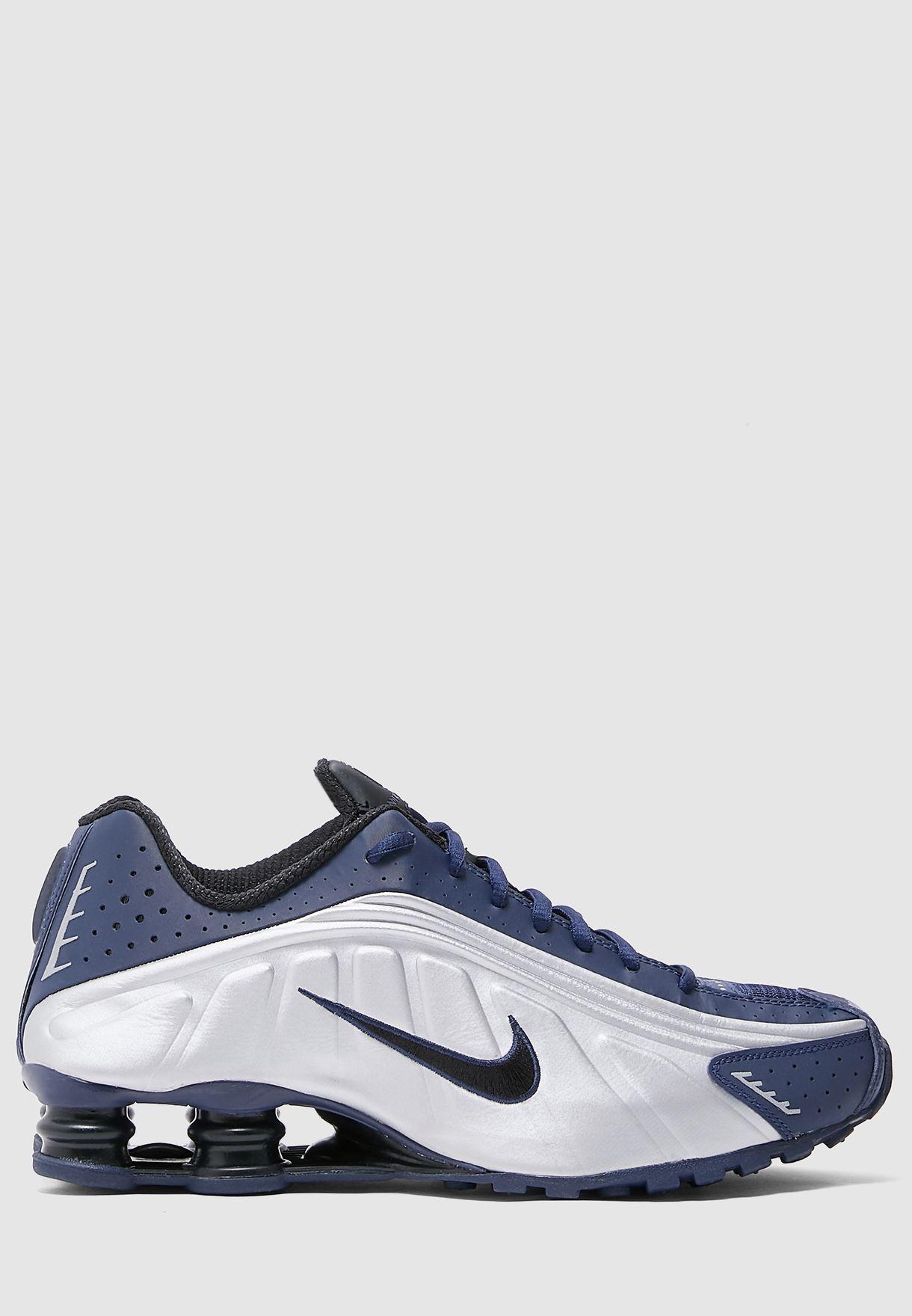 حذاء شوكس ار 4