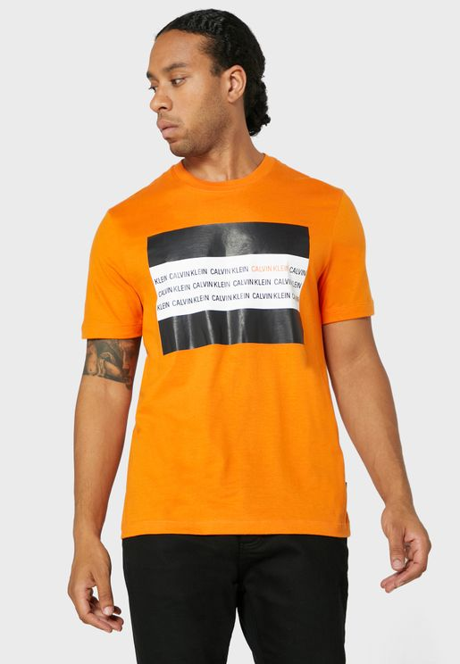Contrast Text Box Crew Neck T-Shirt