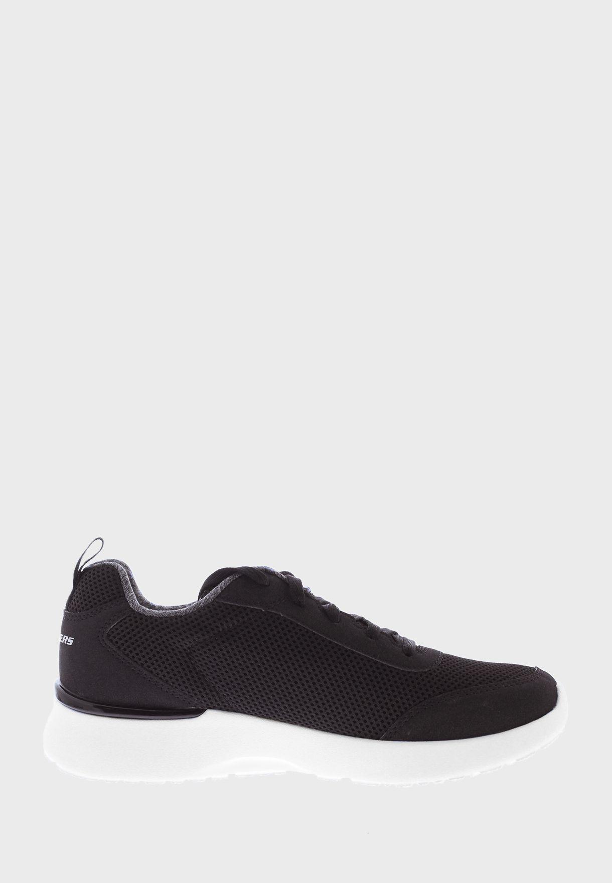 حذاء سبورتس
