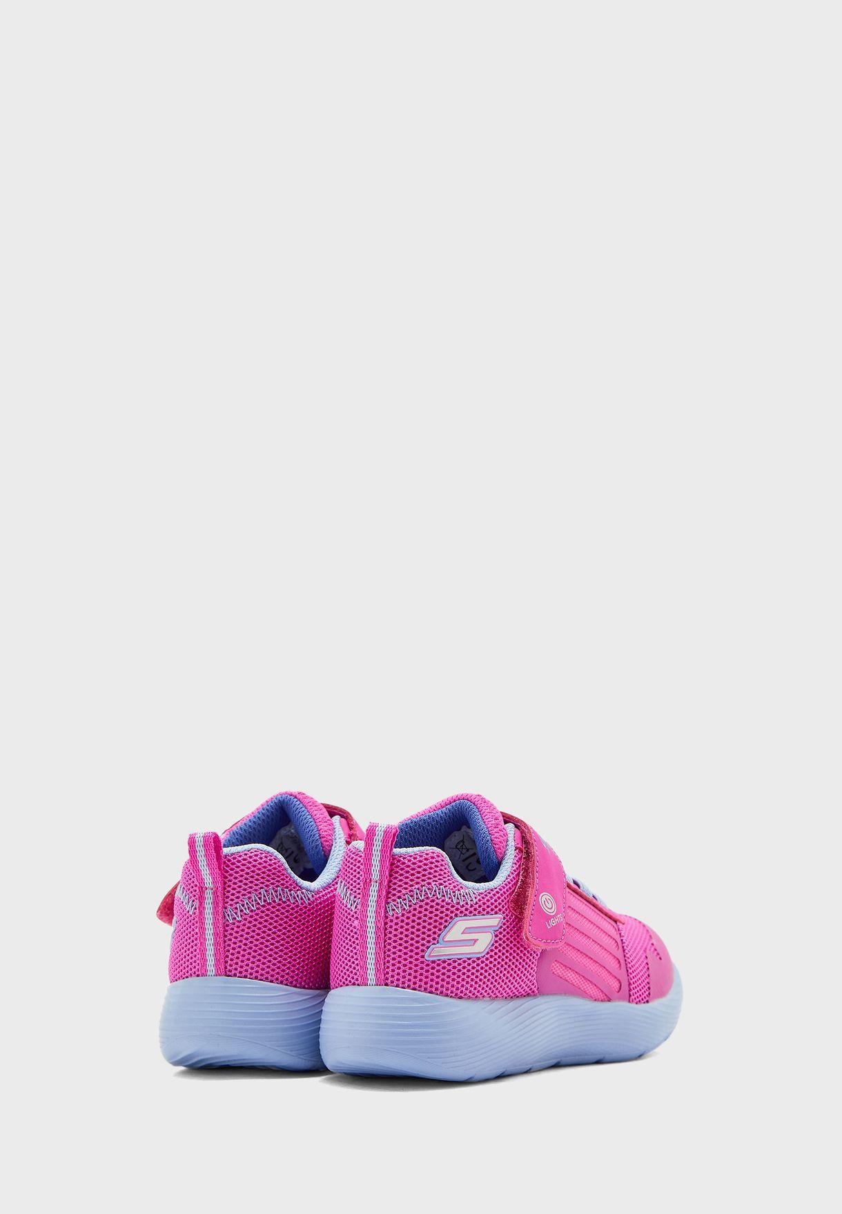 حذاء داينا-لايتس