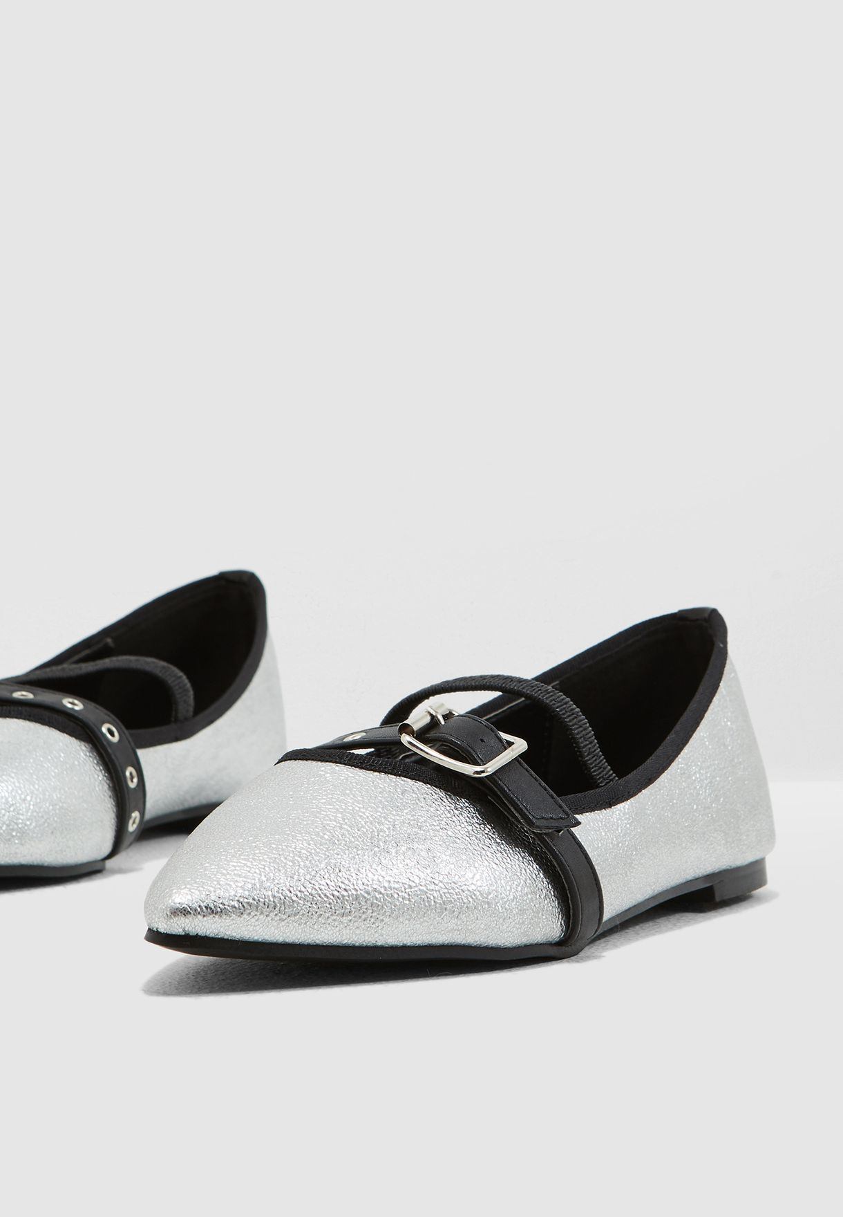 Pointed Toe Ballerinas