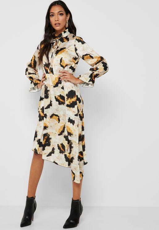 فستان بطبعات جلد حيوان