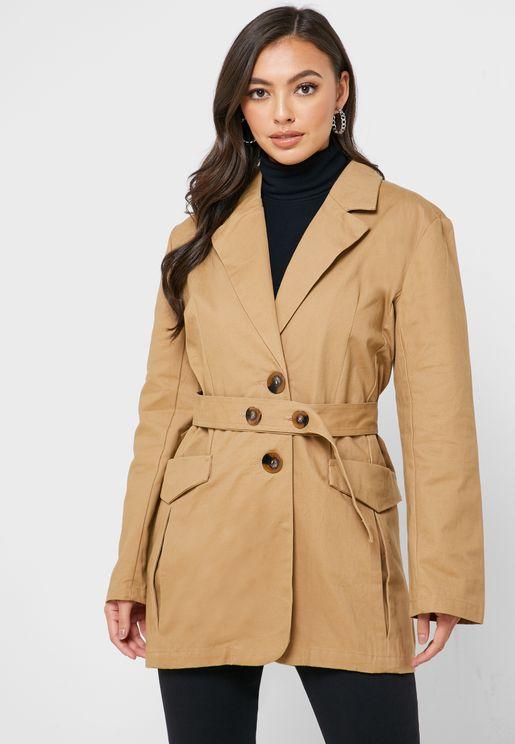 معطف مع حزام