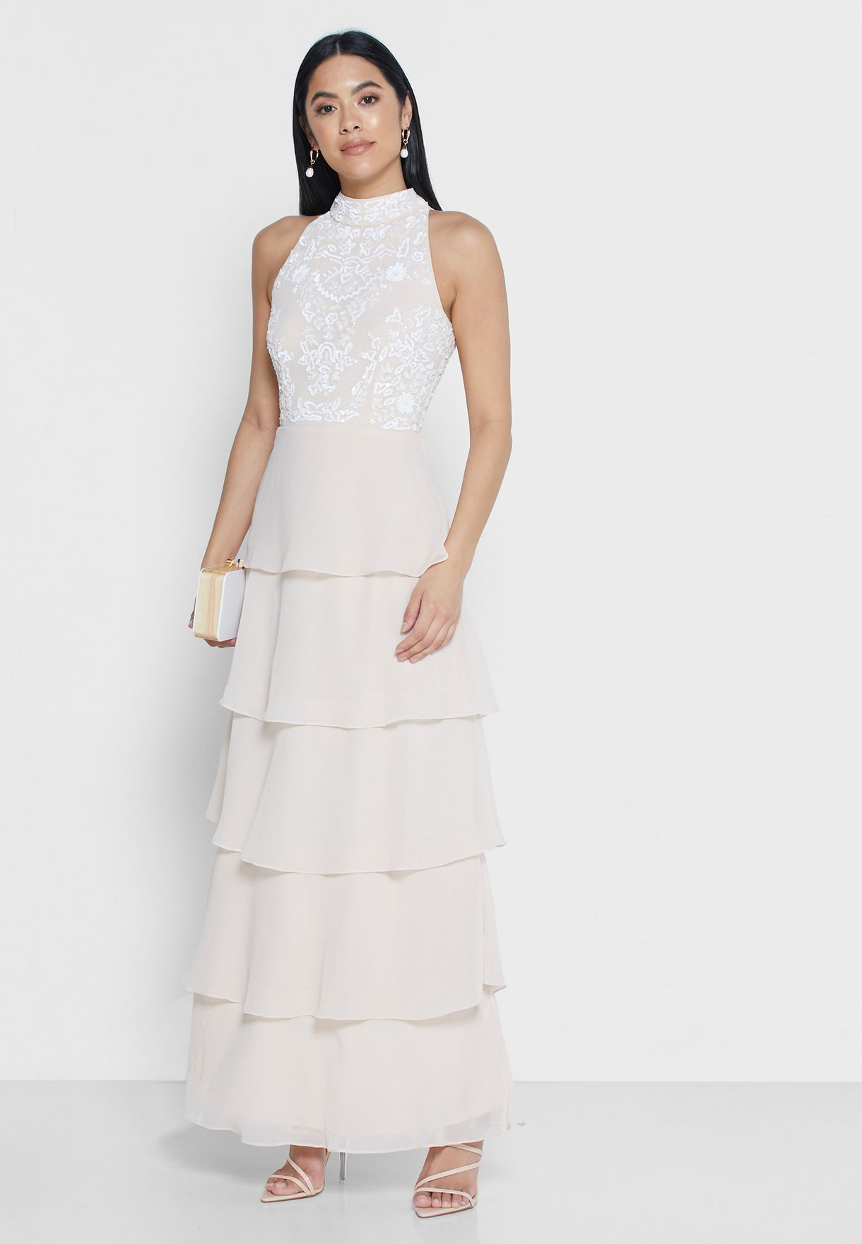 فستان بطبقات مزين بالترتر