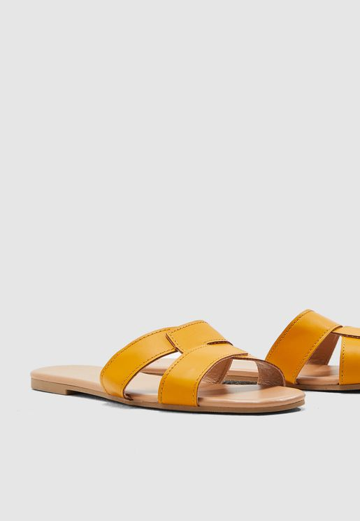 Fiesta Clean Flat Sandal - Yellow