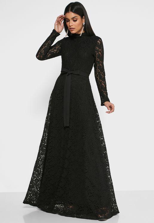 فستان مكسي بطبقة دانتيل شبك