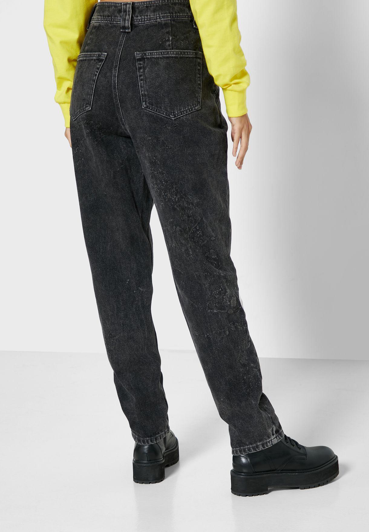جينز مام بأرجل منفوشة