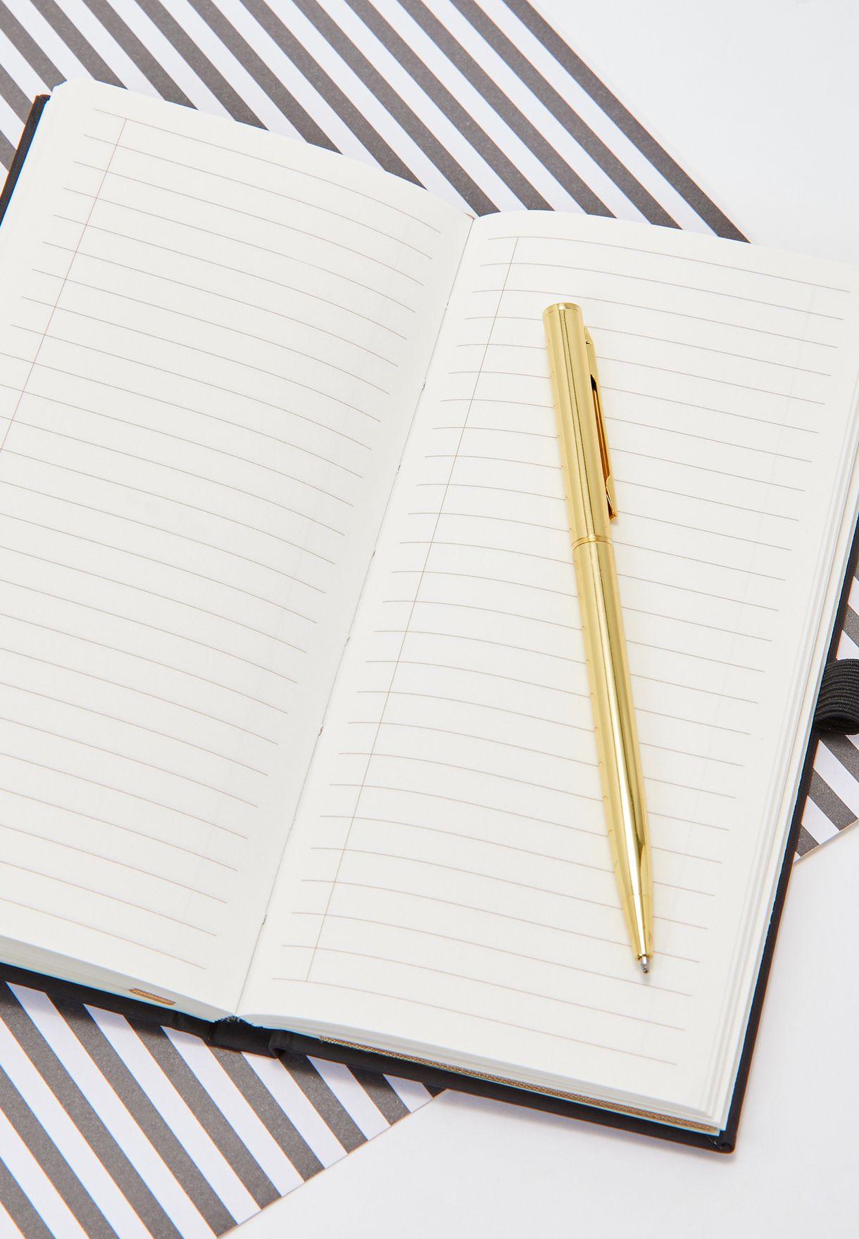 دقتر ملاحظات  مع قلم