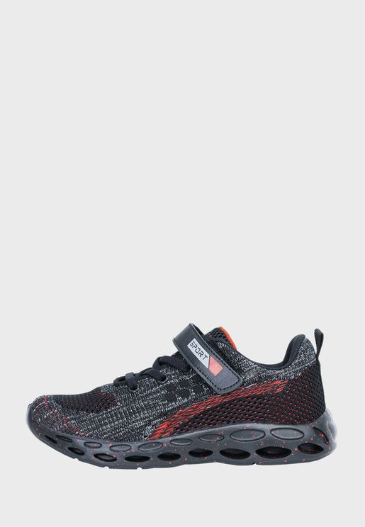 حذاء سنيكرز جوشيا