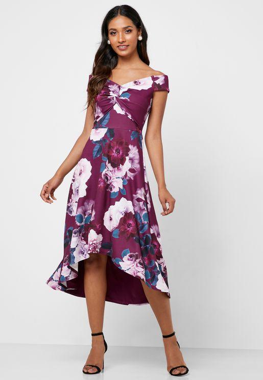 فستان عاري الاكتاف وبطبعات ازهار