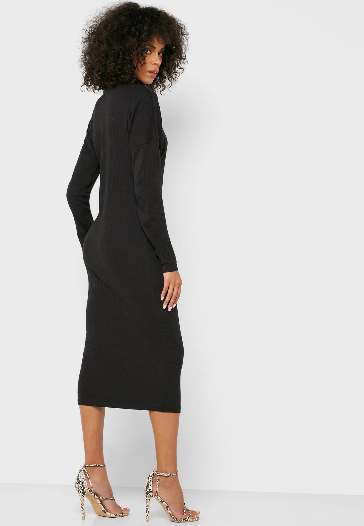 فستان باكمام طويلة