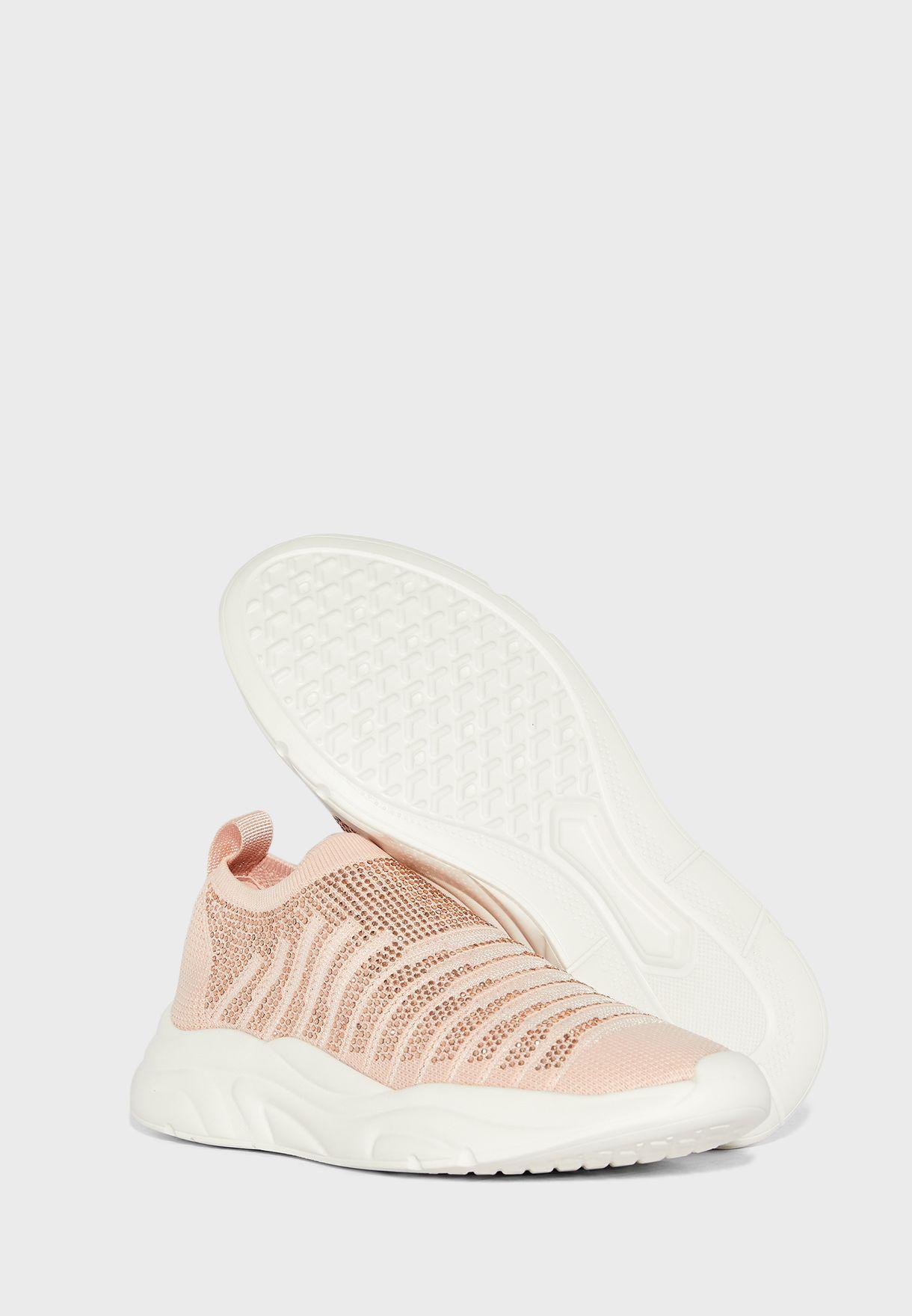 حذاء كاجوال بنمط جورب