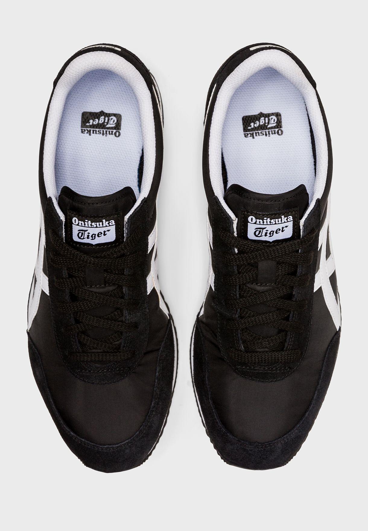 حذاء نيو يورك