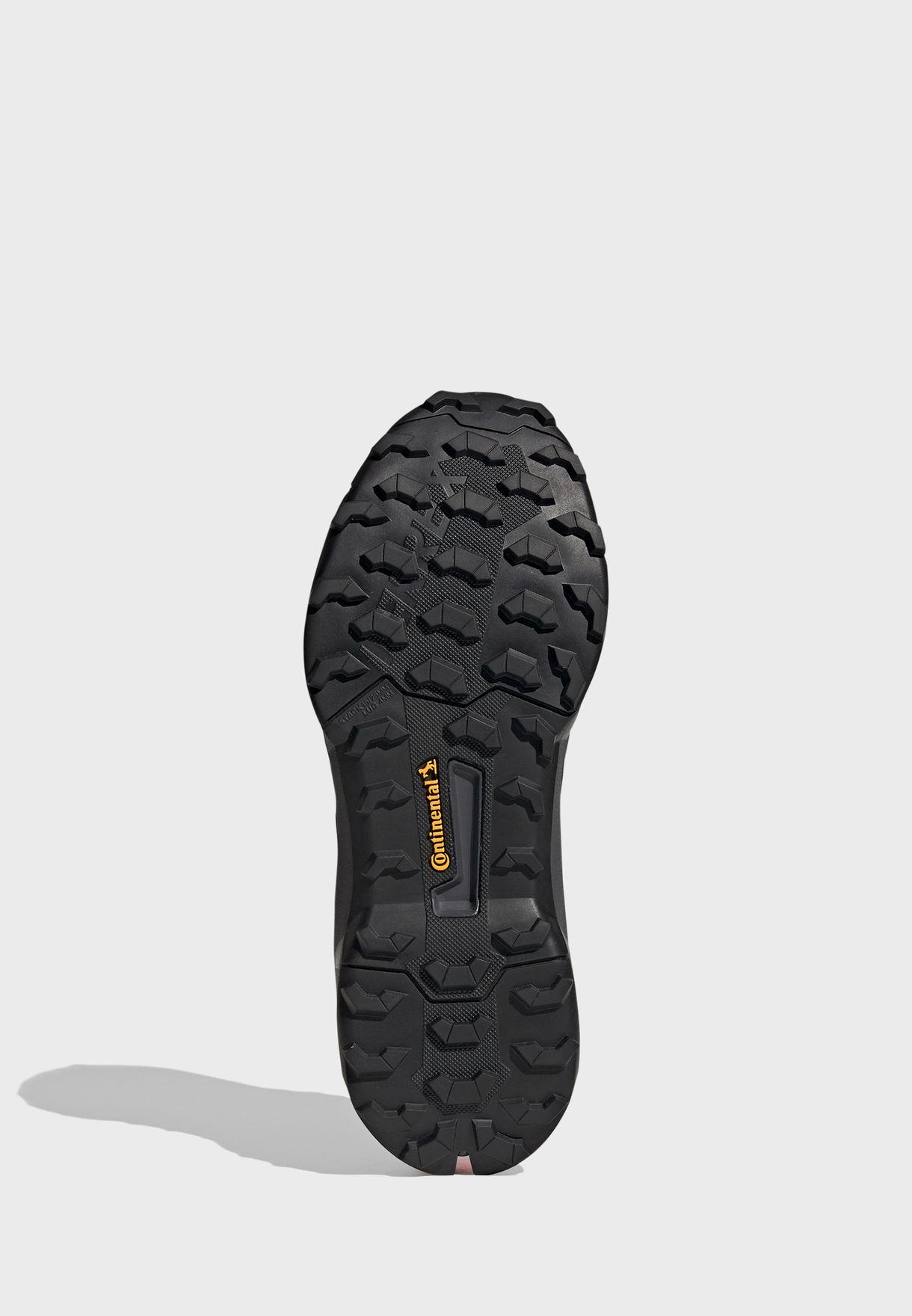 حذاء تيريكس ايه اكس 4
