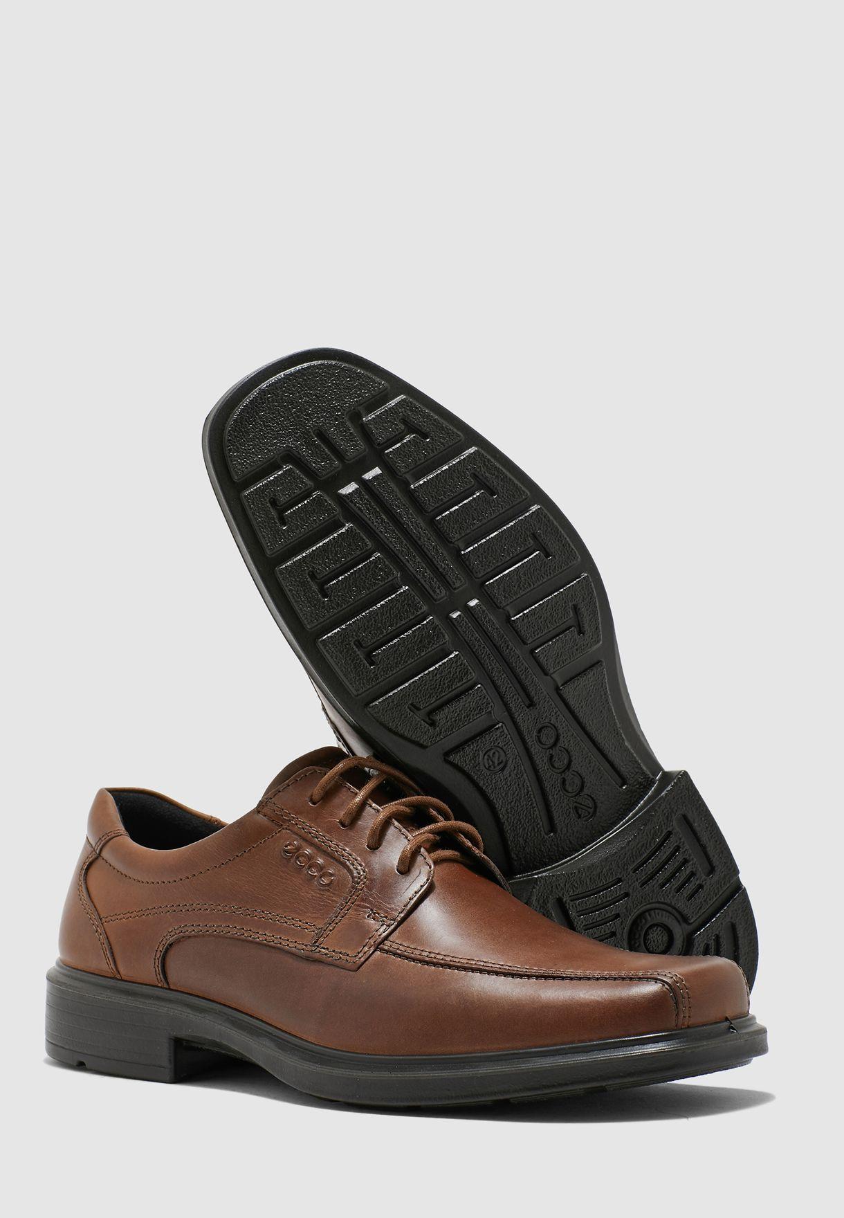 حذاء سبورت من الجلد الاصلي