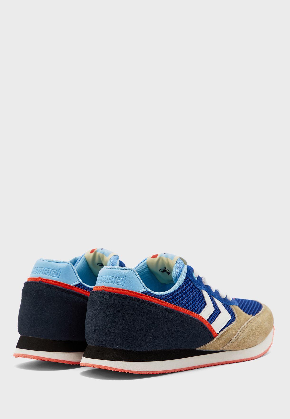 حذاء بوينت رانر