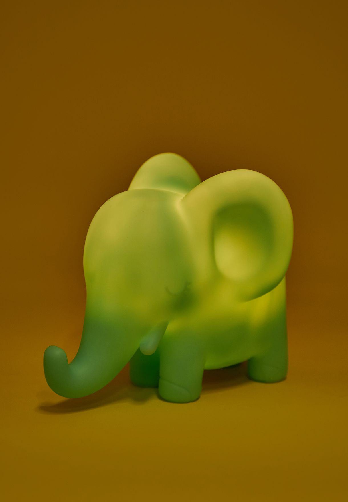 اضاءة بشكل فيل