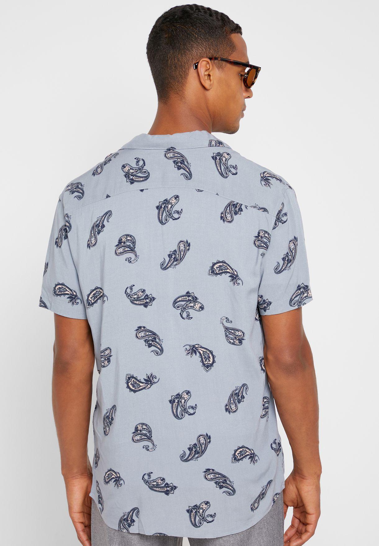 قميص سلم فيت بطبعات بيسلي