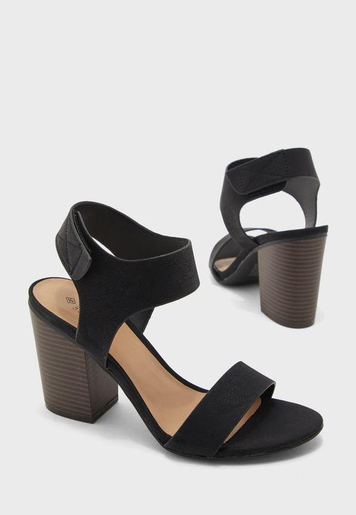 Tralilia Ankle Strap Block Heel Sandal